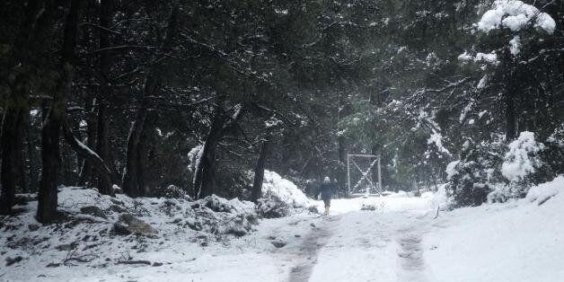 Ο χιονιάς έφερε προβλήματα- Σε ποιες περιοχές είναι κλειστά τα