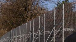 Ανοίγματα στον φράχτη για τη διέλευση προσφύγων στον Έβρο ετοιμάζει ο