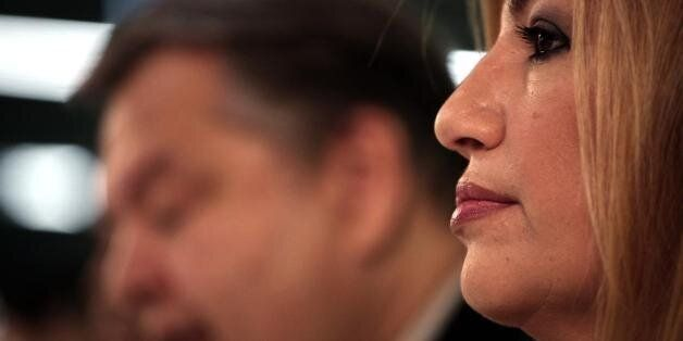 Στα...χαρακώματα στο ΠΑΣΟΚ για την ηγεσία. Η Γεννηματά «πατάει» πόδι στον Βενιζέλο. Βαριές κουβέντες...