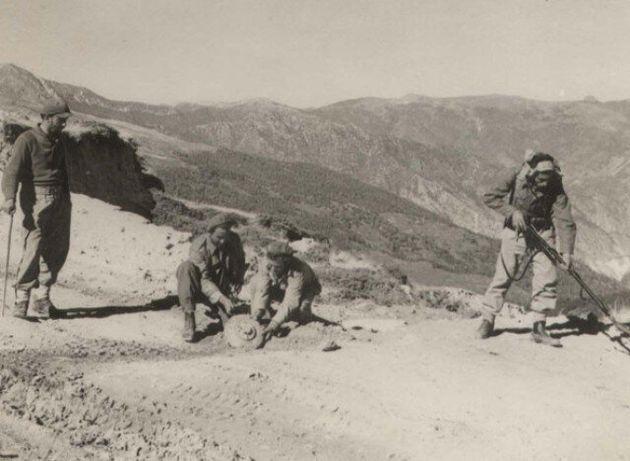 Μικτές Ομάδες Μηχανημάτων Ανασυγκροτήσεως: Η ιστορία των ΜΟΜΑ και αντίλογοι στην επανασύστασή