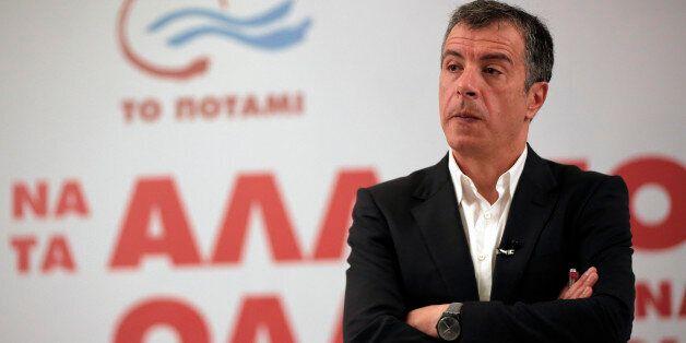 Θεοδωράκης: Θα στηρίξουμε τον πρωθυπουργό στις μεγάλες μεταρρυθμίσεις, αλλά να πει ποιες