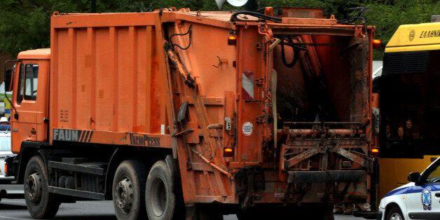 Τραγικό δυστύχημα στην Πρέβεζα: Απορριματοφόρο παρέσυρε
