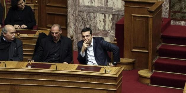 Είμαστε κοντά σε συμφωνία λέει στη HuffPost Greece κυβερνητικός