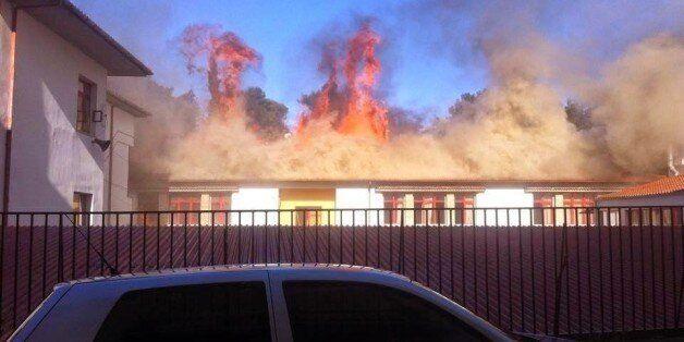 Στις φλόγες τυλίχθηκε δημοτικό σχολείο στα Γιάννενα