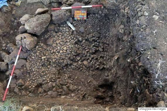 Ανακαλύφθηκε η αρχαιότερη ταφή εναγκαλισμού στον κόσμο στον Διρό. Χρονολογείται στο 3.800