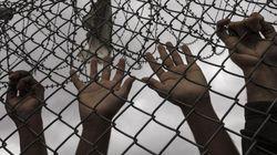 Ένας στους τρεις μετανάστες των κέντρων κράτησης θα αφεθούν άμεσα