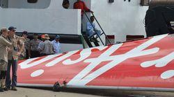 Ο κυβερνήτης του μοιραίου αεροσκάφους της AirAsia φαίνεται να μην βρισκόταν στη θέση του την ώρα του
