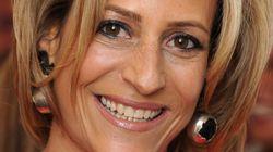 Η κομμώτρια που έγινε δημοσιογράφος του BBC, παντρεύτηκε έναν τραπεζίτη και εκνεύρισε τον
