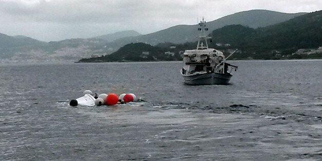 Οκτώ νεκροι μετανάστες απο ανατροπή βάρκας σε περιχή βόρεια της