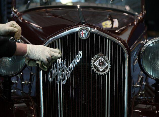 Η καταπληκτική ιστορία της Alfa Romeo του Μουσολίνι: Το δώρο στην ερωμένη του, η δολοφονία τους και η...