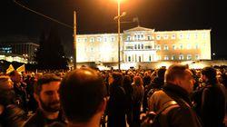 Μεγάλες συγκεντρώσεις στο Σύνταγμα και σε άλλες πόλεις της Ελλάδας υπέρ της