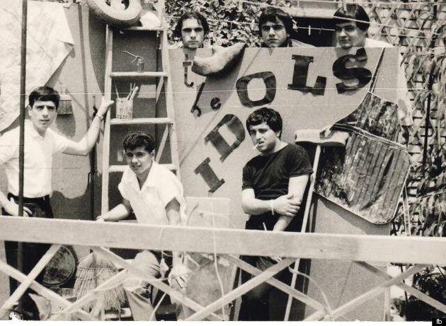 H συναρπαστική ζωή του Ντέμη Ρούσσου: Πούλησε εκατομμύρια δίσκους, πάλεψε με την κατάθλιψη και βρέθηκε...