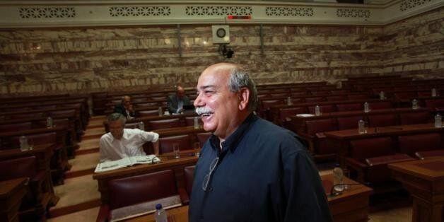 Βούτσης: Οχι στους κομματικούς διορισμούς στις αποκεντρωμένες