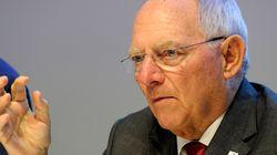 FT: Ο Σόιμπλε θέτει τις διαπραγματεύσεις με την τρόικα ως προϋπόθεση για παράταση του