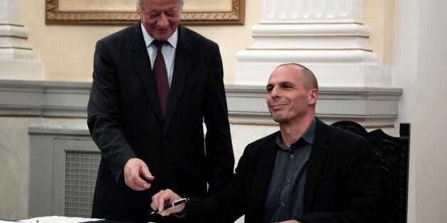 «Ποπ σταρ» των Ελλήνων οικονομολόγων αποκαλεί ο γερμανικός Τύπος τον Γιάνη