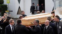 Τελευταίο αντίο στον διευθυντή και σκιτσογράφο της Charlie Hebdo