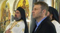 Ο Απόστολος Γκλέτσος βγάζει προεκλογικό λόγο μέσα από την