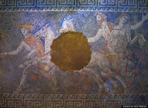 Πέντε οι σκελετοί στην Αμφίπολη: 3 άντρες, 1 γυναίκα και 1