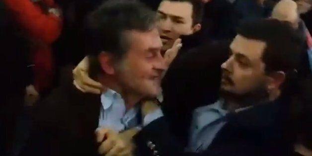 Επεισόδιο με οπαδό της ΑΕΚ κατά τη διάρκεια της ομιλίας Τσίπρα στη Ρόδο