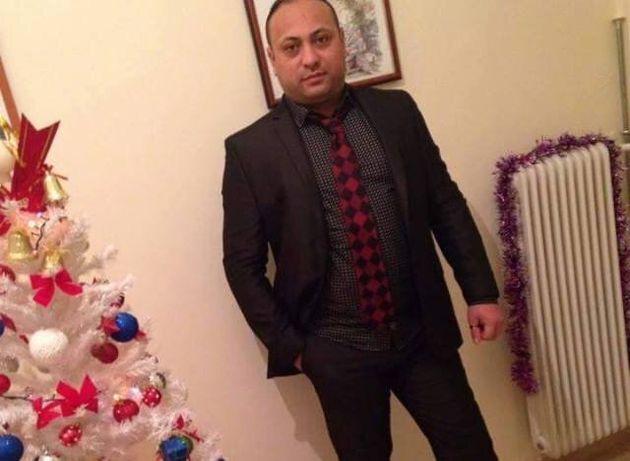 Φωτογραφίες δίπλα στο χριστουγεννιάτικο δέντρο ανέβασε στο Facebook o δεύτερος δολοφόνος του