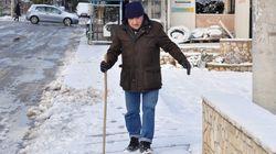 Χιονιάς και παγετός προκαλούν σοβαρά προβλήματα σε Κρήτη και Κυκλάδες.Τσουχτερό κρύο στην