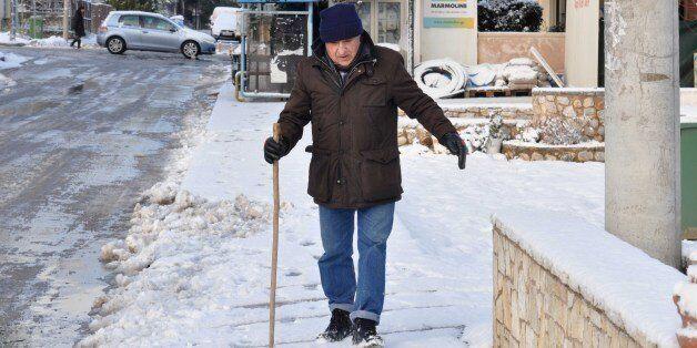 Σοβαρά προβλήματα σε Κρήτη και Κυκλάδες από την κακοκαιρία.Τσουχτερό κρύο στην