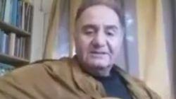 Ο κιθαρίστας Θόδωρος Κατσανέβας τραγουδά τα πατριωτικά του