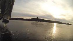 Un lac se transforme en patinoire transparente
