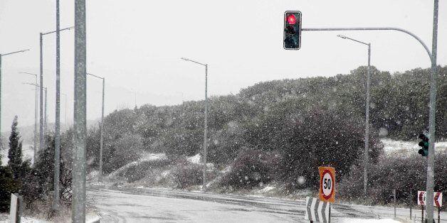 Διακοπές ρεύματος λόγω της έντονης χιονόπτωσης στην