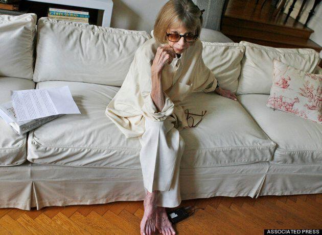 Τζοάν Ντιντιόν: Mια 80χρονη συγγραφέας είναι η νέα μούσα του οίκου