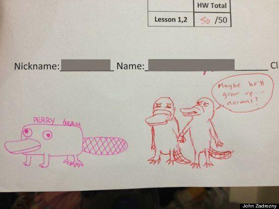 Ξεκαρδιστικά σχέδια στα γραπτά μαθητών από έναν δάσκαλο διαφορετικό από τους