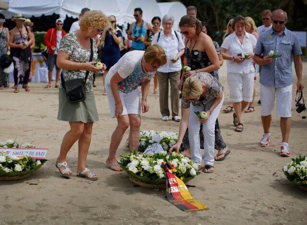 Οι μνήμες ξυπνούν: 10 χρόνια από το τσουνάμι που συγκλόνισε όλο τον