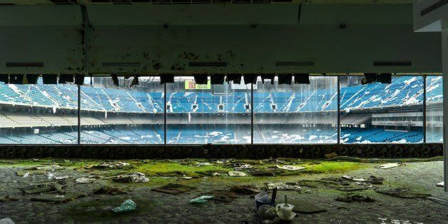 Εικόνες που θυμίζουν Αρμαγεδών: Πώς καταλήγει ένα γήπεδο μετά από εγκατάλειψη 8