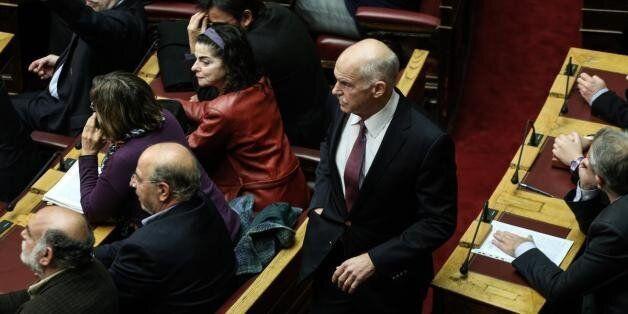 Να μην κάνει δικό του κόμμα ζητούν από τον Γιώργο Παπανδρέου έξι βουλευτές του