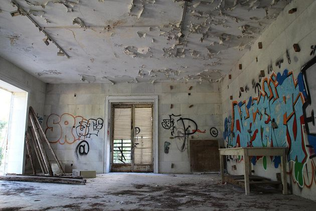 Tα «στοιχειωμένα» της Αθήνας: Aπό τη σπηλιά του Νταβέλη ως τη βίλα του