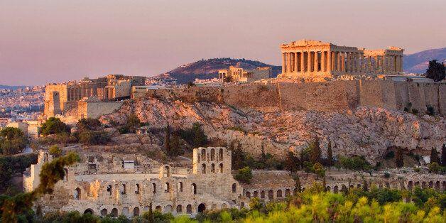 Πόσοι άνθρωποι εγκαταστάθηκαν στην Ελλάδα το έτος πριν την απογραφή του