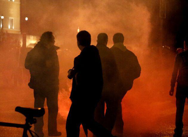 Σοβαρά επεισόδια στο κέντρο της Αθήνας μετά την πορεία αλληλεγγύης στο Νίκο