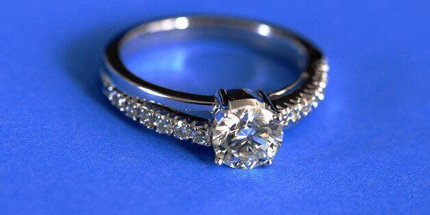 Γιατί Τα Διαμάντια δεν είναι