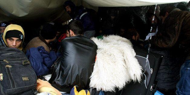 Άρχισε η υποβολή αιτήσεων για πολιτικό άσυλο από τους Σύριους πρόσφυγες στο