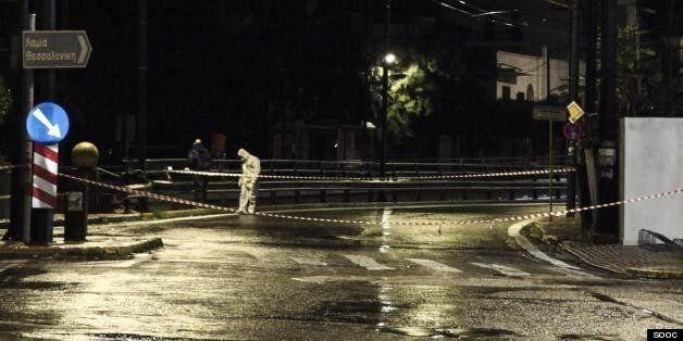 Παρουσία αστυνομικών χτύπησαν οι τρομοκράτες στην πρεσβεία του