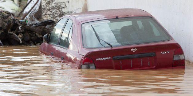 Προβλήματα λόγω έντονων βροχοπτώσεων στη Νέα