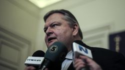 Υπαινιγμοί Βενιζέλου για πρόωρες εκλογές. Οι εταίροι θέλουν παράταση Μνημονίου λόγω