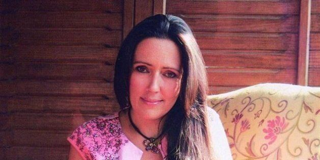 Η μητέρα του Νίκου Ρωμανού μιλάει στη HuffPost Greece: Ο Αθανασίου θέλει να δει το παιδί μου στο