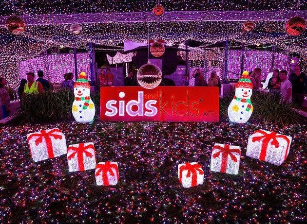Η μεγαλύτερη Χριστουγεννιάτικη LED κατασκευή του κόσμου με 1.194.380 φωτάκια!
