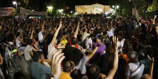 Ψηφοφορία στη λαϊκή συνέλευση του Συντάγματος. Ιούνιος 2011 (Τατιάνα Μπόλαρη/