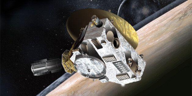 Καλλιτεχνική απεικόνιση του New Horizons κατά την προσέγγισή του στον Πλούτωνα και τον