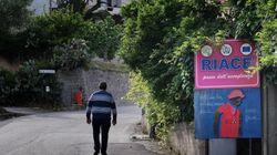 Il nuovo sindaco leghista fa rimuovere il cartello: