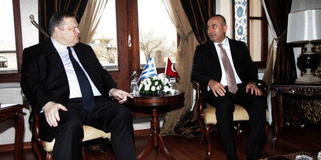 Βενιζέλος σε Τσαβούσογλου: «Οι συνομιλίες για το Κυπριακό διακόπηκαν γιατί βρίσκεται σε εξέλιξη μια προσβολή...