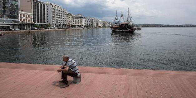 Το 45% των Ελλήνων δεν εμπιστεύεται το πολιτικό
