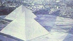 Pyramides sous la neige: Vous vous êtes peut-être fait avoir par cet ancien